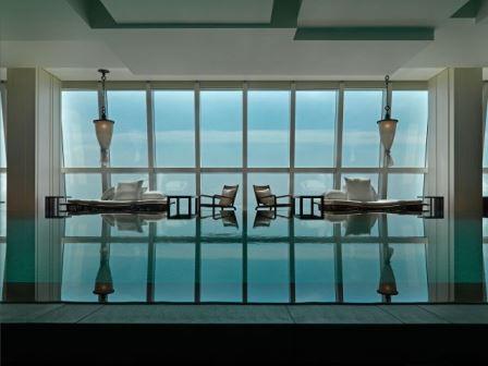 パークハイアット上海|宿泊|超高層ホテルの天空プールがおすすめ