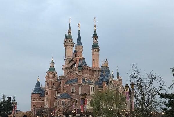 上海ディズニーランド!チケットや混雑状況、おすすめアトラクションや身長制限、感想など