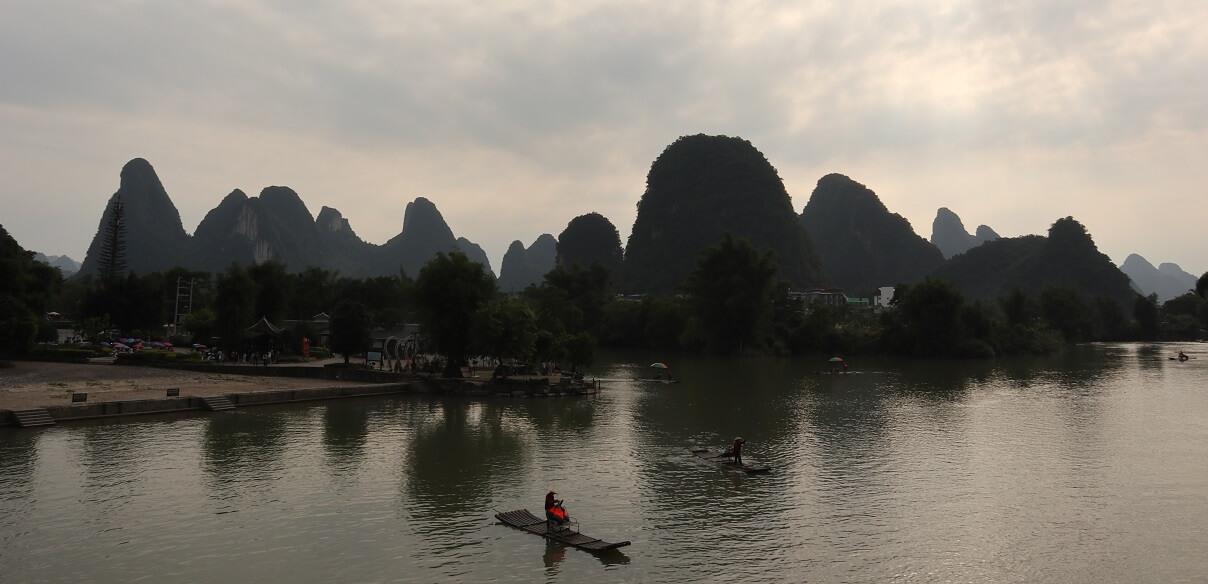 陽朔観光!賑やかな西街から郊外のダイナミックな山々の風景|中国桂林